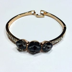 Jewelry - New three stones bracelet